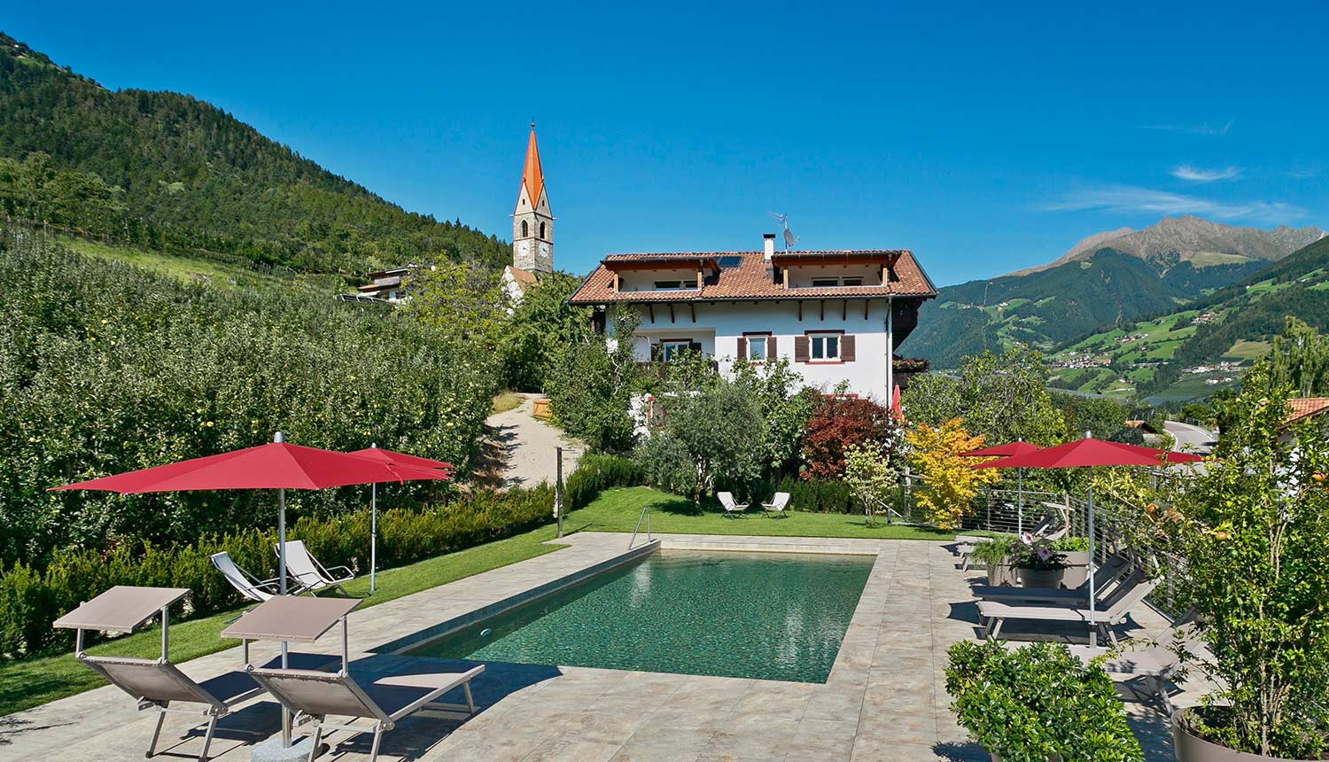 Family holidays at the Gasserhof farm with pool in Kuens/Caines